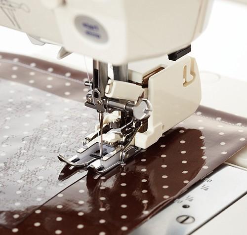 бытовая швейная машинка верхний транспортер